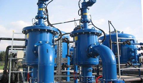 浄水場で運用されている砂ろ過装置の前処理フィルターとして、原水(湖水)に混入する珪藻類、砂等の除去